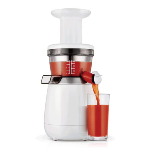 Hurom HP slow juicer extracting juice
